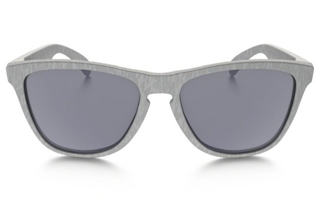 Front of Oakley Frogskins High Grade grey lenses sunglasses